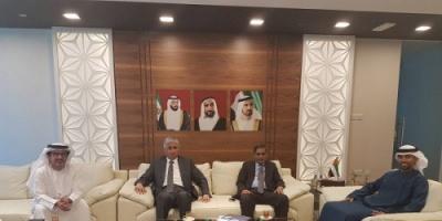 المحافظ البحسني يقدّم للجانب الإماراتي عدداً من التصورات الخاصة بمشاريع البنية التحتية بحضرموت