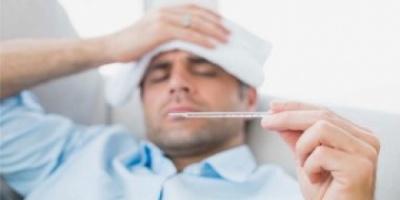 أعراض التهاب المرارة عديدة منها آلام بالظهر وغثيان