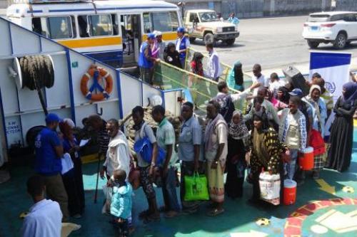 إجلاء 100 مهاجر إثيوبي من اليمن  إلى بلادهم بشكل طوعي