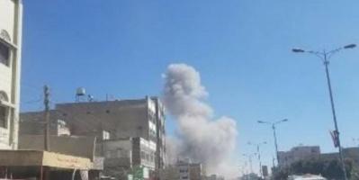مقاتلات التحالف تستهدف مجاميع للميليشيات في مبنى محافظة ذمار