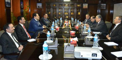 وزير الكهرباء اليمني يبحث مع نظيره المصري التعاون بين البلدين في مجال الطاقة