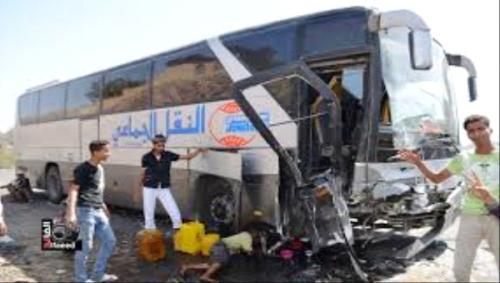 قتلى ومصابون في حادث انقلاب حافلة للنقل الجماعي بحضرموت امس الاثنين