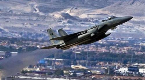 مصادر : مقتل تسعة من مليشيات الحوثي بغارة جوية أستهدفت تعزيزاتهم في تعز