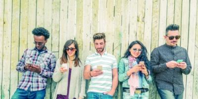 ابتكار علاج لإدمان الهواتف الذكية