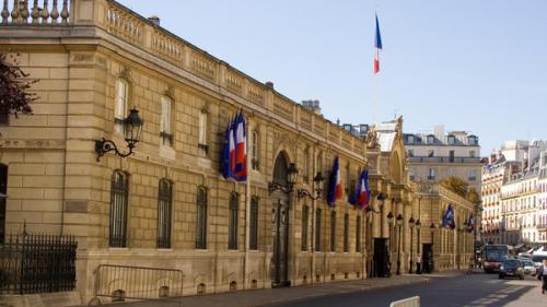 باريس: من الضروري مواجهة أنشطة إيران المزعزعة للمنطقة