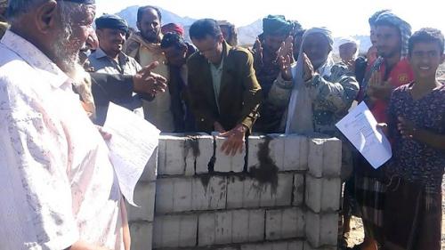 مدير عام كرش يضع حجر اساس لبناء مشروع سكني للنازحين بمثلث العند
