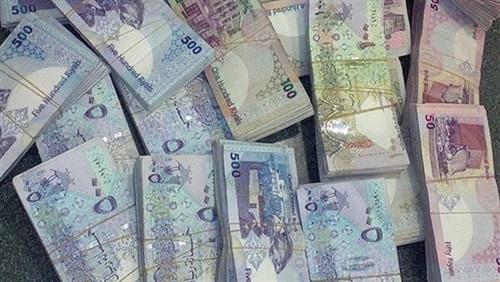 بلومبرج: زلزال يضرب قيمة العملة القطرية بعد المقاطعة