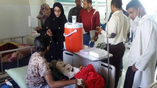 اللجنة الوطنية تزور نزلاء سجن المنصورة ببئر أحمد والاسرى من الجرحى الحوثيين بالمستشفى