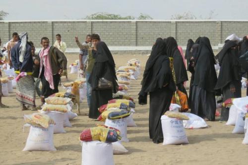 اغاثة طارئة لنازحي تهامة في دار سعد بعدن