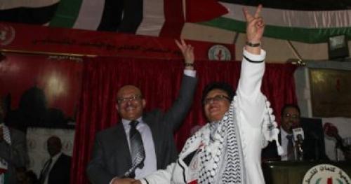 """يحيى صالح يدافع عن فائقة السيد عقب لقائها بالصماد ويصفها بـ""""سيدة نساء اليمن"""""""