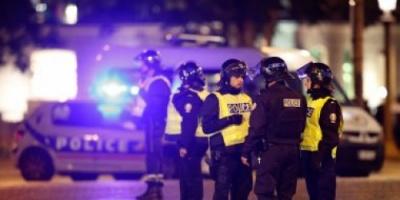 فرنسا تحشد نحو 140 ألف شرطى لتأمين احتفالات رأس السنة