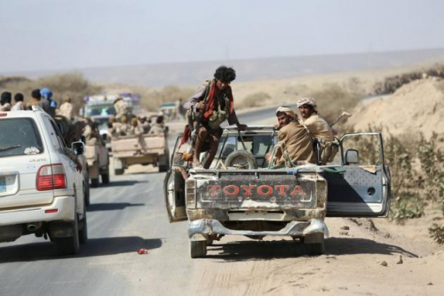 قوات الجيش الوطني والمقاومة تقتربان من السيطرة على الطريق الرئيسي الرابط بين البيضاء وذمار