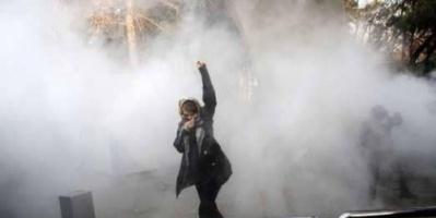 """الإيرانيون يهتفون: """"الموت للدكتاتور"""""""