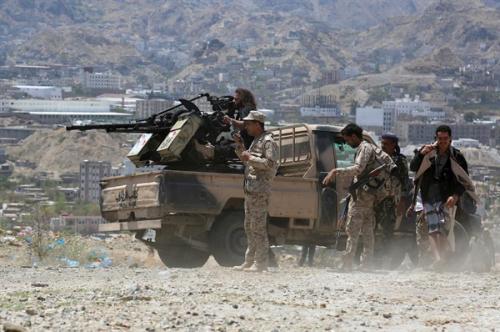 قوات الجيش الوطني تأسر عشرات الحوثيين وتغتنم أسلحة ثقيلة في الجوف