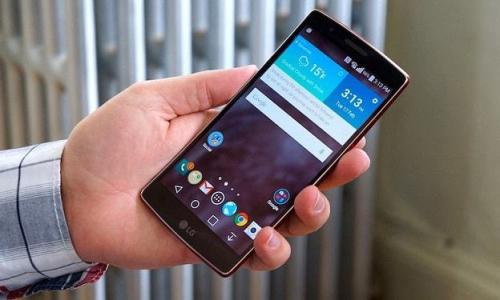سامسونج وLG تنفيان التلاعب بسرعة المعالج في الهواتف القديمة
