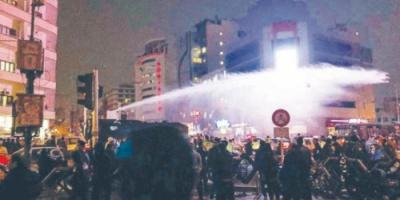 الاحتجاجات تنتقل إلى المدن الإيرانية الفقيرة