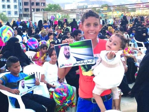 الإمارات أعادت دورة الحياة الطبيعية إلى 6 قطاعات رئيسة في اليمن