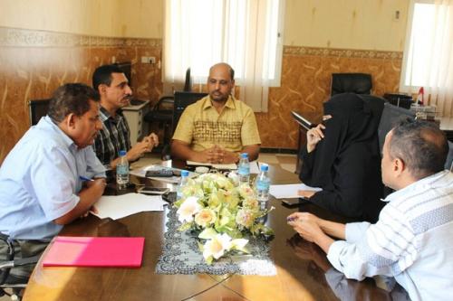 مدير عام صحة ساحل حضرموت يعقد لقاء مع مدير محور مكافحة الملاريا وعدد من الدوائر المختصة بمكتب الصحة