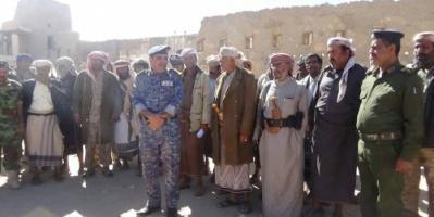 مدير عام شرطة شبوة يزور بيحان ويحث قيادة الأمن على فرض الأمن والاستقرار بالمديرية