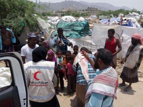 الهلال الأحمر الإماراتي في اليمن يواجه الكوليرا بمعدات تعمل بالطاقة البديلة