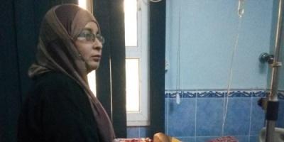 الدكتورة باشراحيل تطمئن على الفنان عبدالكريم توفيق