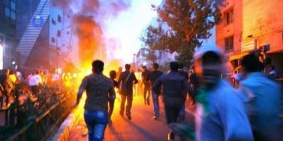 إيران.. إطلاق نار كثيف واشتباكات في شرق طهران