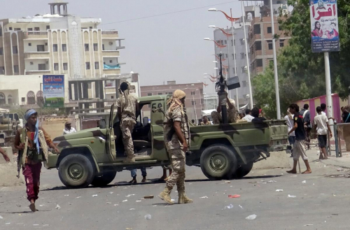 عاجل : ألوية الحماية  الرئاسية  تنفذ انتشارا واسعاً شمال عدن وترفع أهبة الاستعداد