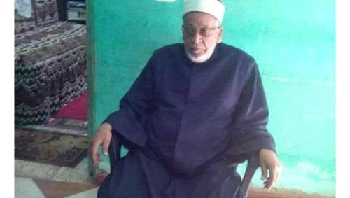 وفاة إمام مسجد في مصر فوق المنبر خلال إلقائه خطبة عن الموت