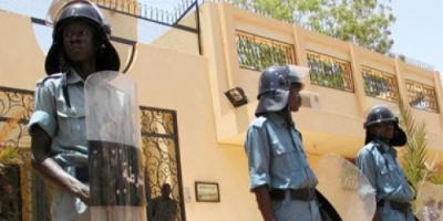 """""""رويترز"""": الشرطة السودانية تفرق محتجين على ارتفاع أسعار الخبز بقنابل الغاز"""