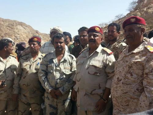 قائد المنطقة العسكرية  الرابعة يتفقد جبهة مكيراس