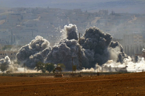 طائرات التحالف تستهدف مواقع أمن الحوثيين المركزي في ذمار بعدة غارات صباحية
