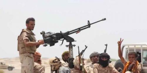 البيضاء : الجيش يحقق تقدماً في مديرية ناطع والمليشيا تقصف عشوائيا قرى وممتلكات المواطنين