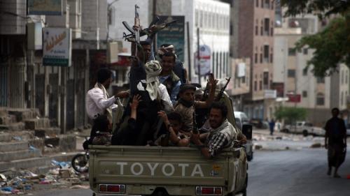 """مصدر عسكري: مقتل قيادي """"حوثي"""" بنيران الجيش الوطني في تعز"""