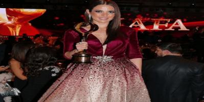 الممثلة التونسية درة تحصد جائزة أفضل إطلالة في مهرجان ضيافة لعام 2018 بدبي