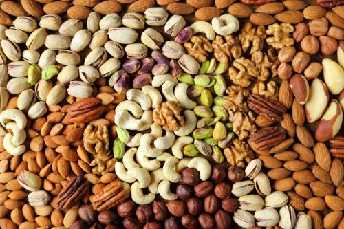 أطعمة تساعد على إزالة الدهون عن الكبد
