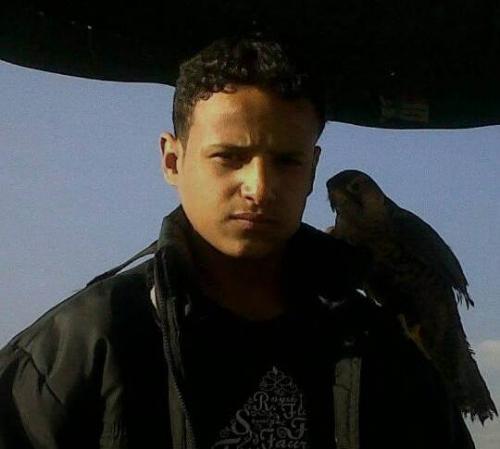 مشرف حوثي يقتل شاباً أمام الناس في العاصمة صنعاء