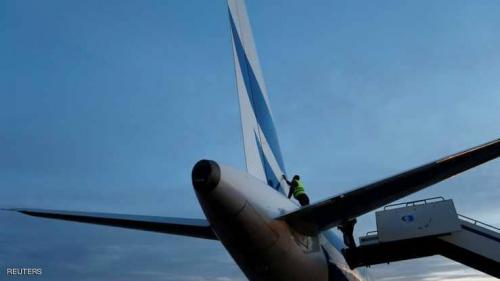 إصابة طائرة إيرباص بنيران مدفعية في طرابلس ليبيا