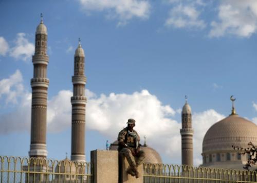 العرب اللندنية : قطر تتحالف مع الحوثيين وتسعى لاستنزافهم عبر الإخوان