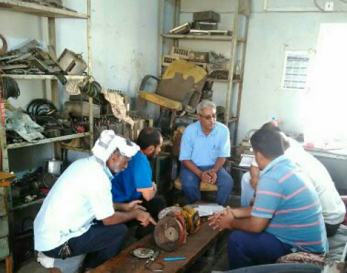 تنظيم دورة في صيانة عدادات الوقود وطرق معايرتها لفنيين من مؤسسة كهرباء عدن