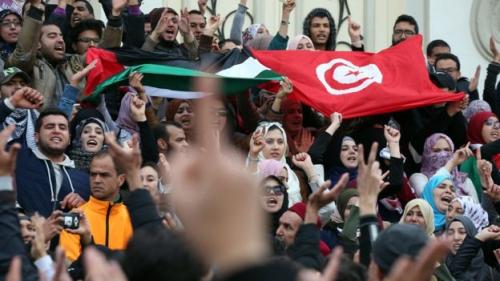 """صحافة بريطانية .. في الغارديان: """"صندوق النقد الدولي خنق تونس"""""""
