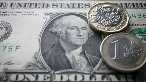 الدولار صوب أدنى مستوى في 3 سنوات