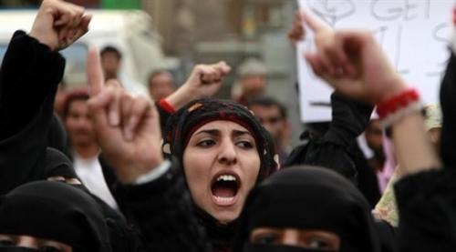 الحوثيون يغتصبون النساء لإرهاب معارضيهم