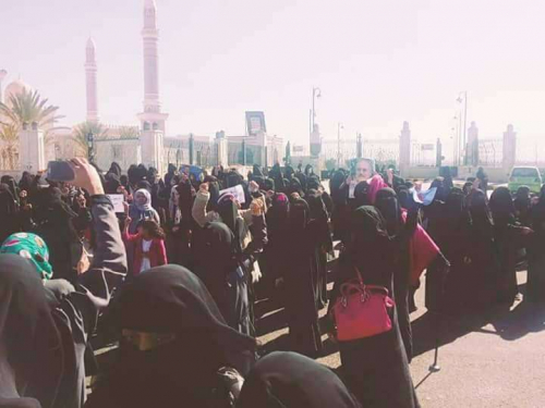 أمهات المختطفات: الحوثيون أخفوهن بمنأى عن الجميع