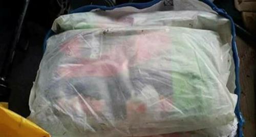 أمن مأرب يضبط كمية من المخدرات والأسلحة كانت في طريقها لميليشيا الحوثي (صور)