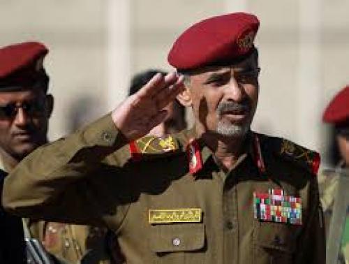 نقل وزير الدفاع اليمني محمود الصبيحي الى غرفة العناية المركزة بأحد مشافي صنعاء