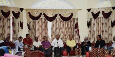 الرئيس الزُبيدي يشيد بدور النقابات في صنع التغيير والدفاع عن مصالح المجتمع