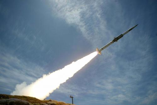 الحوثيون يفشلون في إطلاق صاروخ باليستي ليسقط على منزل مواطن قرب صنعاء