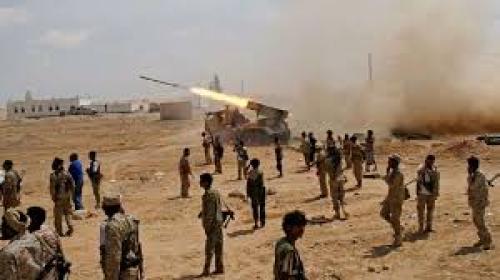 الجيش الوطني يتقدم في موزع على خط الحديدة تعز ويغتنم عدد من الأسلحة