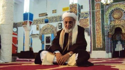 """الحوثي يحاكم مفتي اليمن بتهمة """"التهرب من سداد الزكاة"""""""