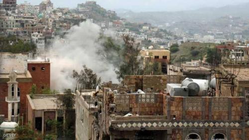 انهيار بصفوف الحوثيين.. والشرعية تتقدم في الحديدة وتعز